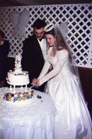 us-cutting-cake001.jpg