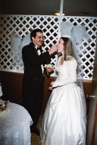 wed-eat-cake005.jpg